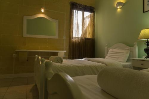 Villa Ibo : Room D - Twin (Two single beds)